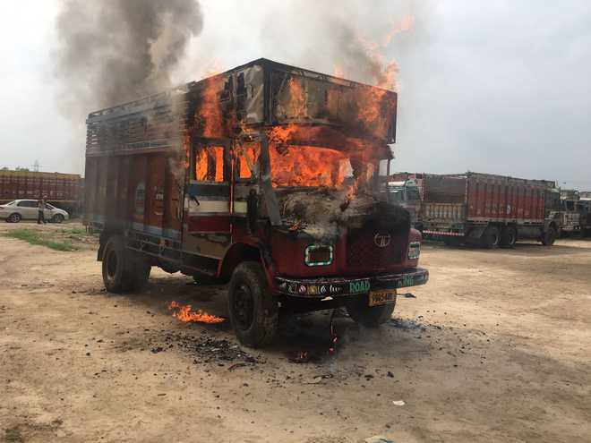 Zambian truckers burnt in SA