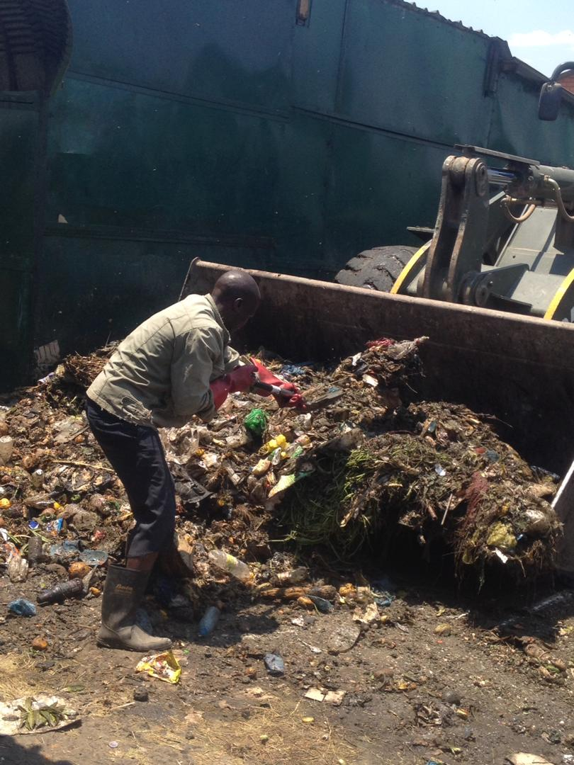 LUSAKA CITY COUNCIL CLEANS NEW SOWETO MARKET