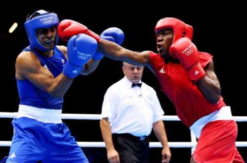 Boxer Khumbu Silungwe Tumbles