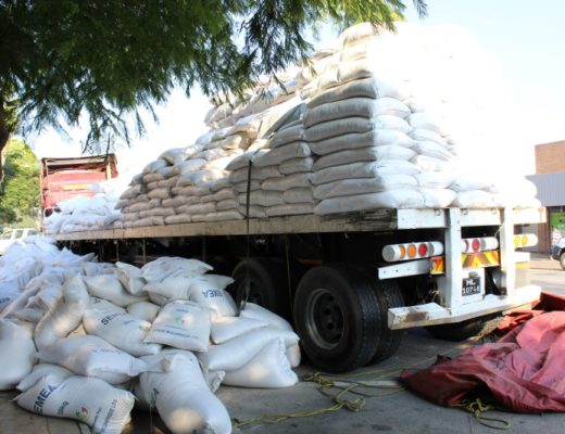DON'T SELL: VEEP COUNSELS POLICE ON HANDLING CONFISCATED MEALIE MEAL